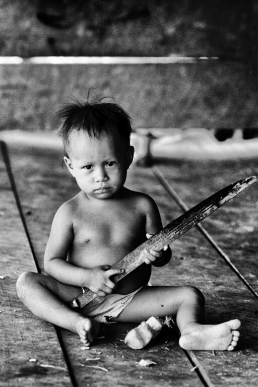 Leticia, Amazzonia Colombiana, Bambino con macete