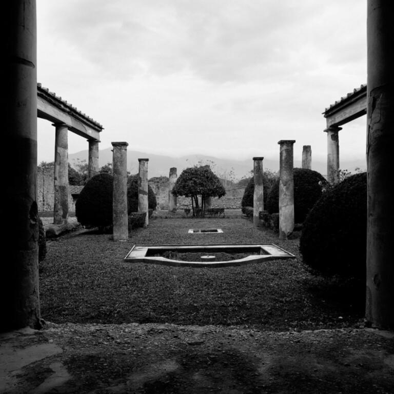 Oltre la soglia (Beyond the Threshold) – Cesare Di Liborio