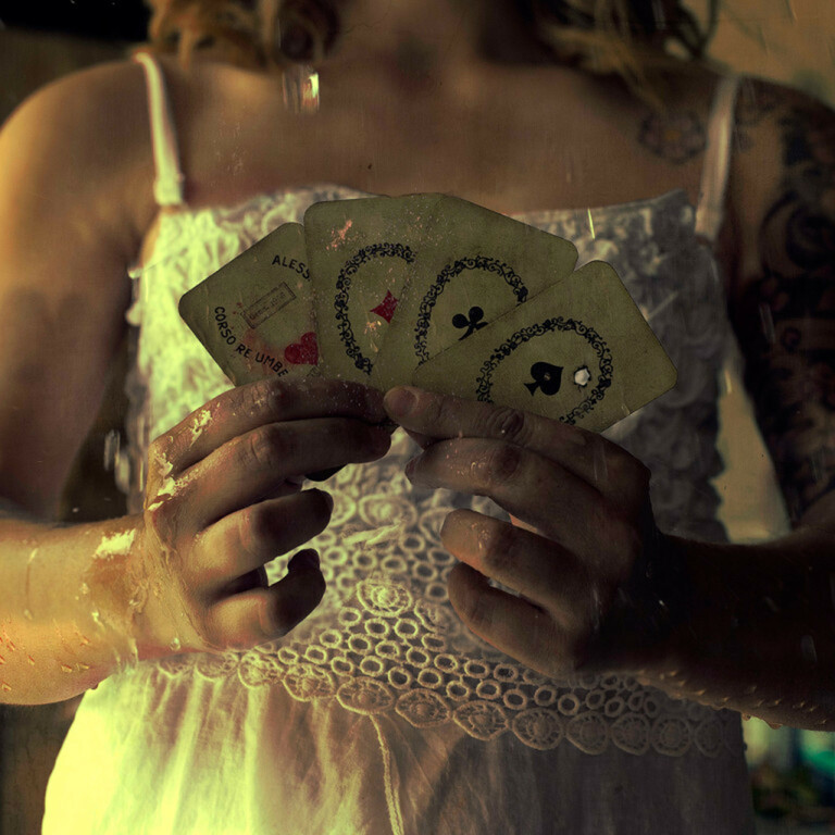 FIORELLA VAIR AND THE MYSTERY OF PLAYING CARDS